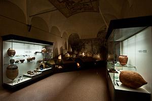 Sezione Archeologica. Età Romana. Sala della necropoli di Cerrione.